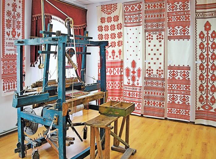 У Музеї Кролевецького ткацтва, м. Кролевець